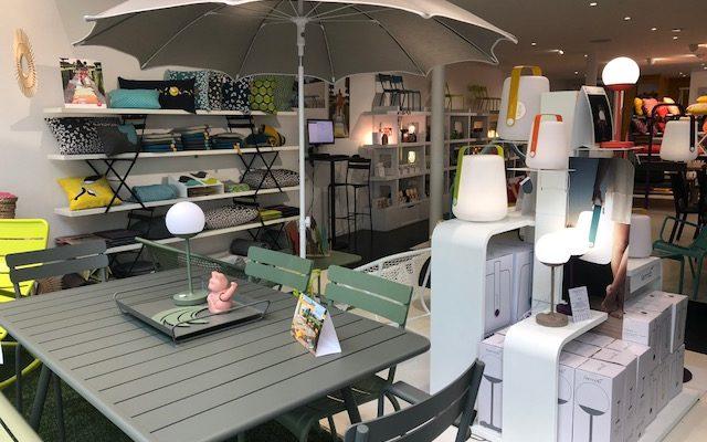 Ambiance estivale dans vos magasins Fermob Paris